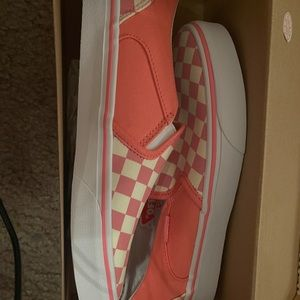 Pink checkered Vans (new)